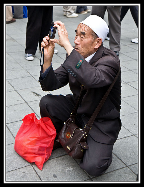 Candid photography is not always easy with a DSLR.