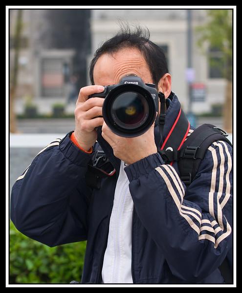IMAGE: http://rpcrowe.smugmug.com/Other/Chiba-Focus-Tour-2010-Shanghai/USM-0702/880363694_tsaUM-L.jpg