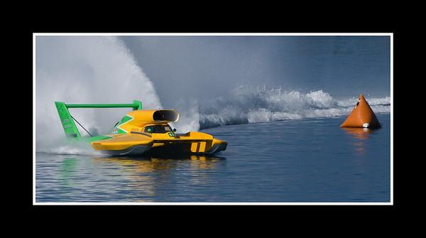 IMAGE: http://rpcrowe.smugmug.com/Sports/THUNDERBOAT-REGATTA-2007/JPEG-Thunderboat-0378/236168344_9gc2o-M.jpg