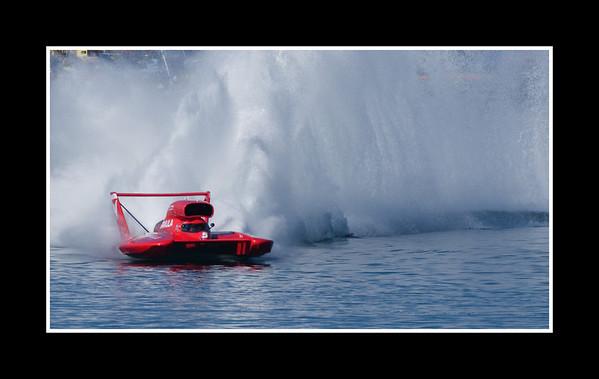 IMAGE: http://rpcrowe.smugmug.com/Sports/THUNDERBOAT-REGATTA-2007/JPEG-Thunderboat-0401/236168577_dGsqc-M.jpg